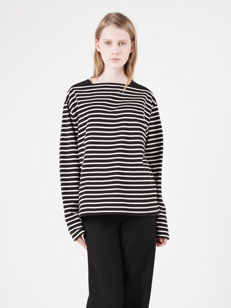15FW BOAT NECK STRIPED T-SHIRT BLACK