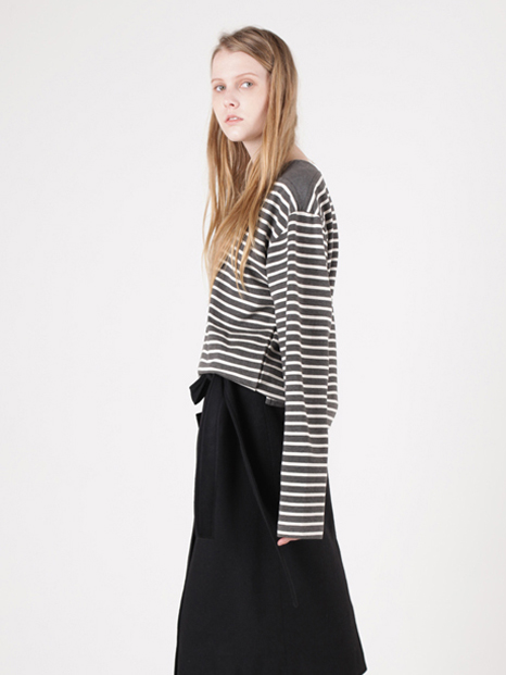15FW BOAT NECK STRIPED T-SHIRT CHARCOAL