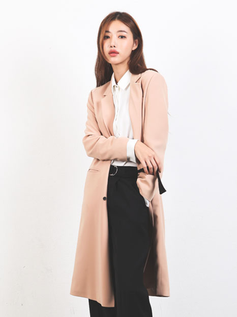 THREE BUTTON COAT BEIGE