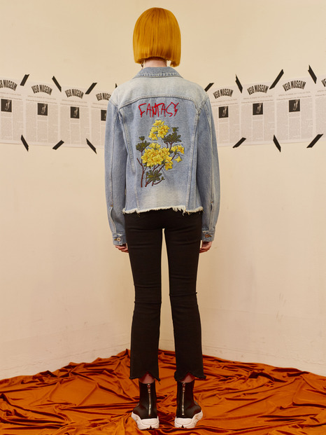 FLOWER DISTRESSED DENIM JACKET - SKY BLUE