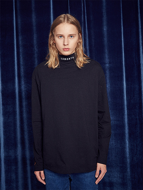 [13month]TURTLENECK LONG SLEEVED TEE (BLACK)
