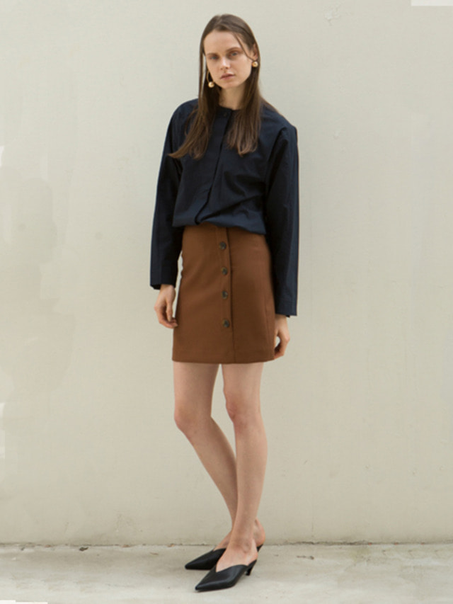 17FW BUTTON SHORT LENGTH SKIRT BROWN