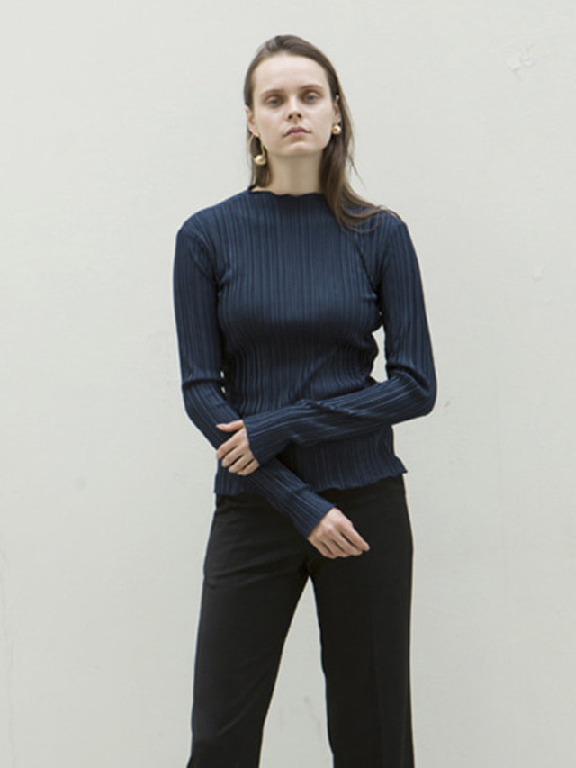 17FW LOW CUT PLEATED TOP NAVY