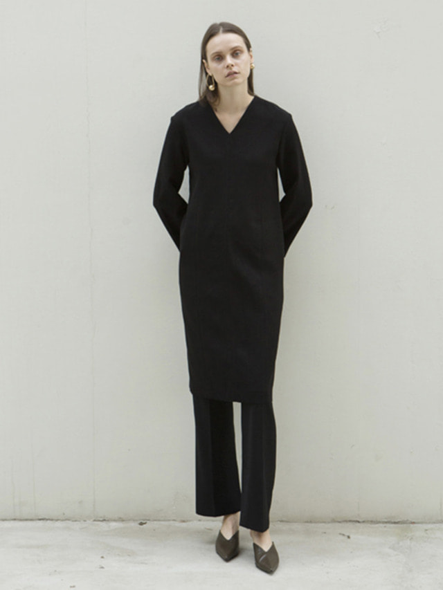 17FW V-NECK LINE LONG DRESS BLACK