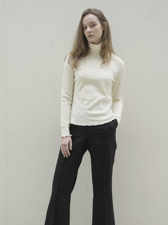 17FW RIBBED TURTLENECK TOP IVORY