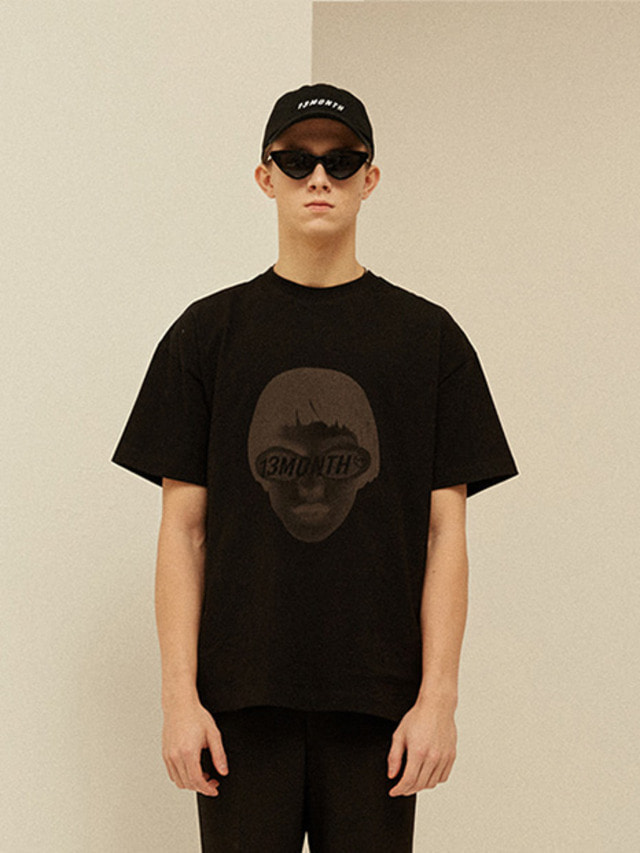 [13month]FACE PRINTING T-SHIRT (BLACK)