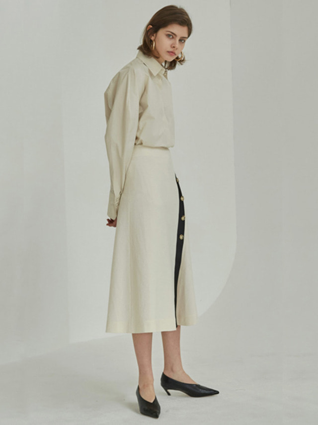 [MOHAN]18SS BUTTON FLARED SKIRT CREAM