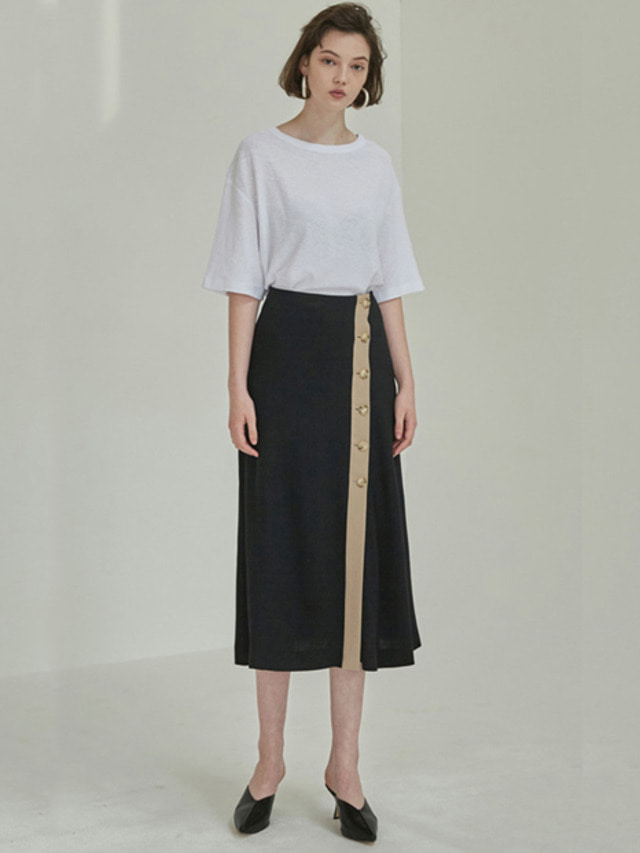 [MOHAN]18SS BUTTON FLARED SKIRT BLACK