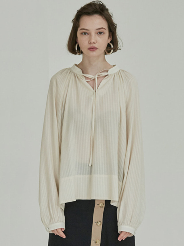 [MOHAN]18SS SHIRRING NECK TIE BLOUSE CREAM