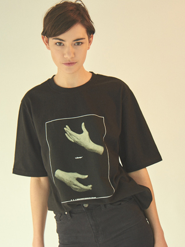 [MGI]HAND GRAPHIC T-SHIRTS BLACK