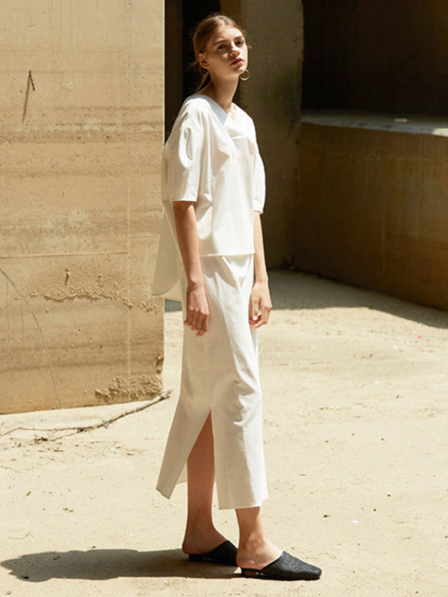 [MOHAN] LONG SLIT WRAP SKIRT WHITE