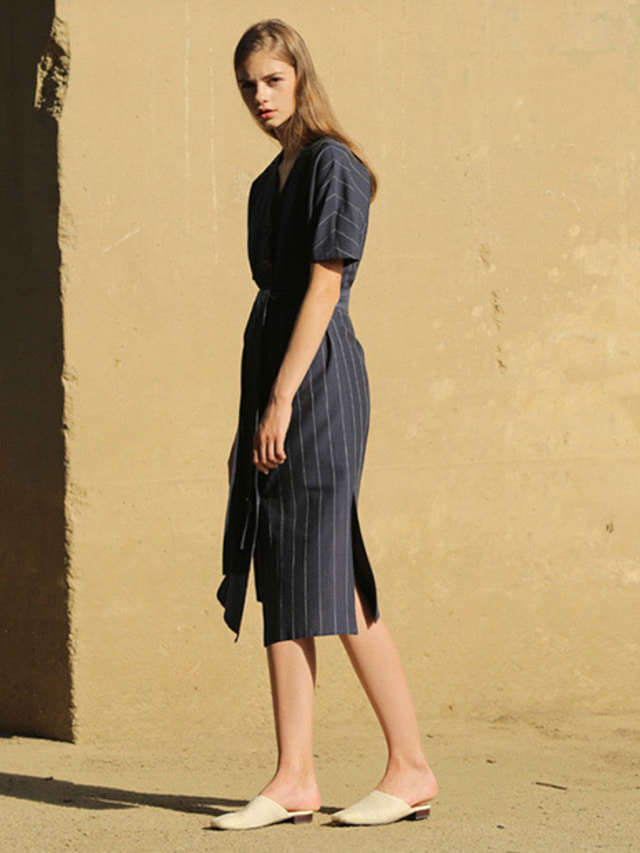 [MOHAN]V-NECK BUTTON ROBE DRESS NAVY STRIPE
