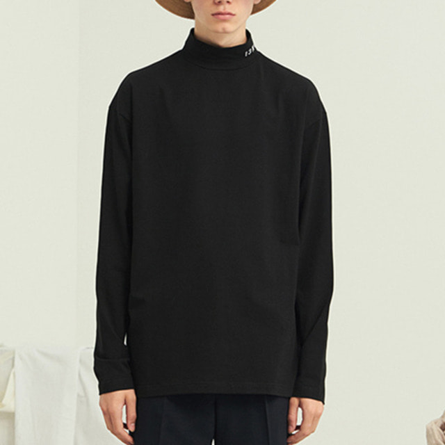 [13MONTH] TURTLENECK SLIM LONG SLEEVE T-SHIRT BLACK