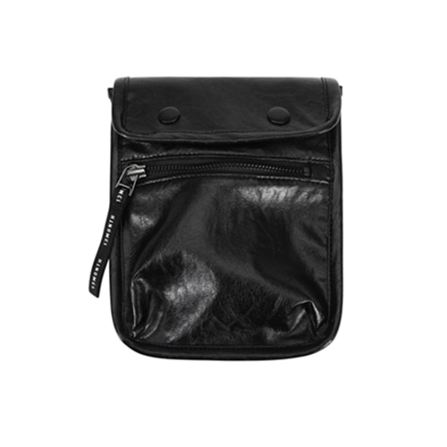 [13MONTH] LEATHER MINI CROSS WAIST BAG BLACK