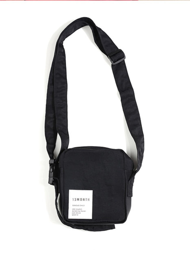 [13month]BUCKLE STRAP CROSS BAG (BLACK)